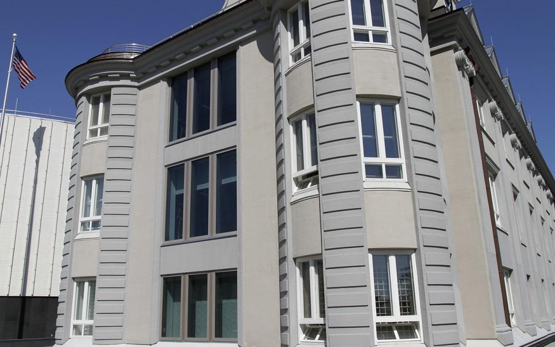 Energiaa säästävät ikkunakalvot Yhdysvaltain suurlähetystöön