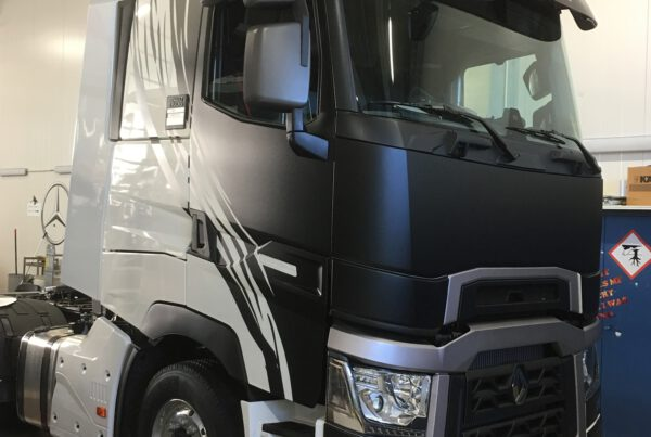 Renault, kuorma-auton teippaus, Oy Martom Ab